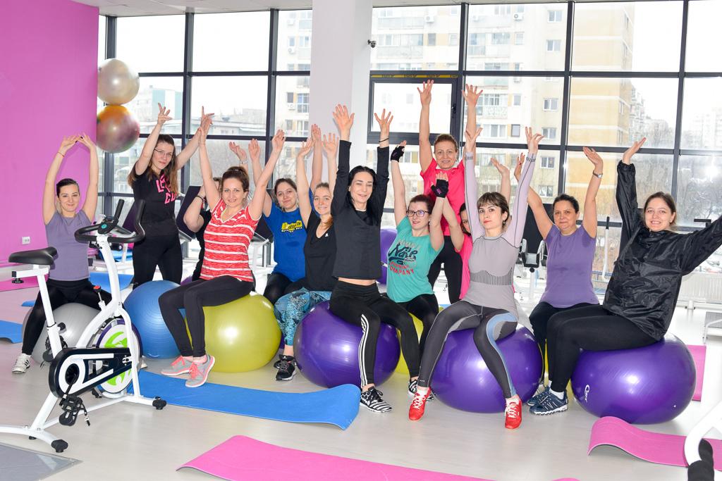 Caut o sala de gimnastica pentru femei)